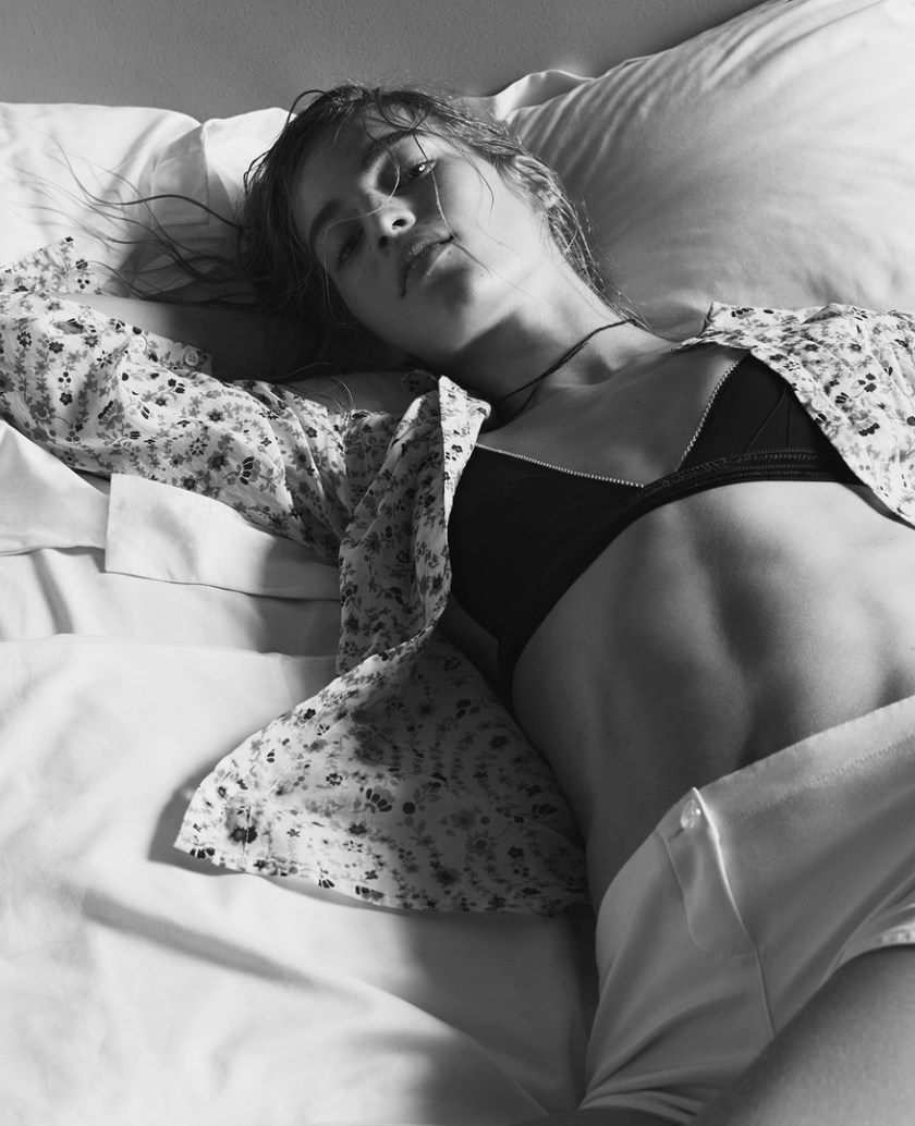 VANESSA-AXENTE—BY-NICK-DOREY-FOR-TWIN-MAGAZINE-ISSUE-12-SPRING-SUMMER-2015-6