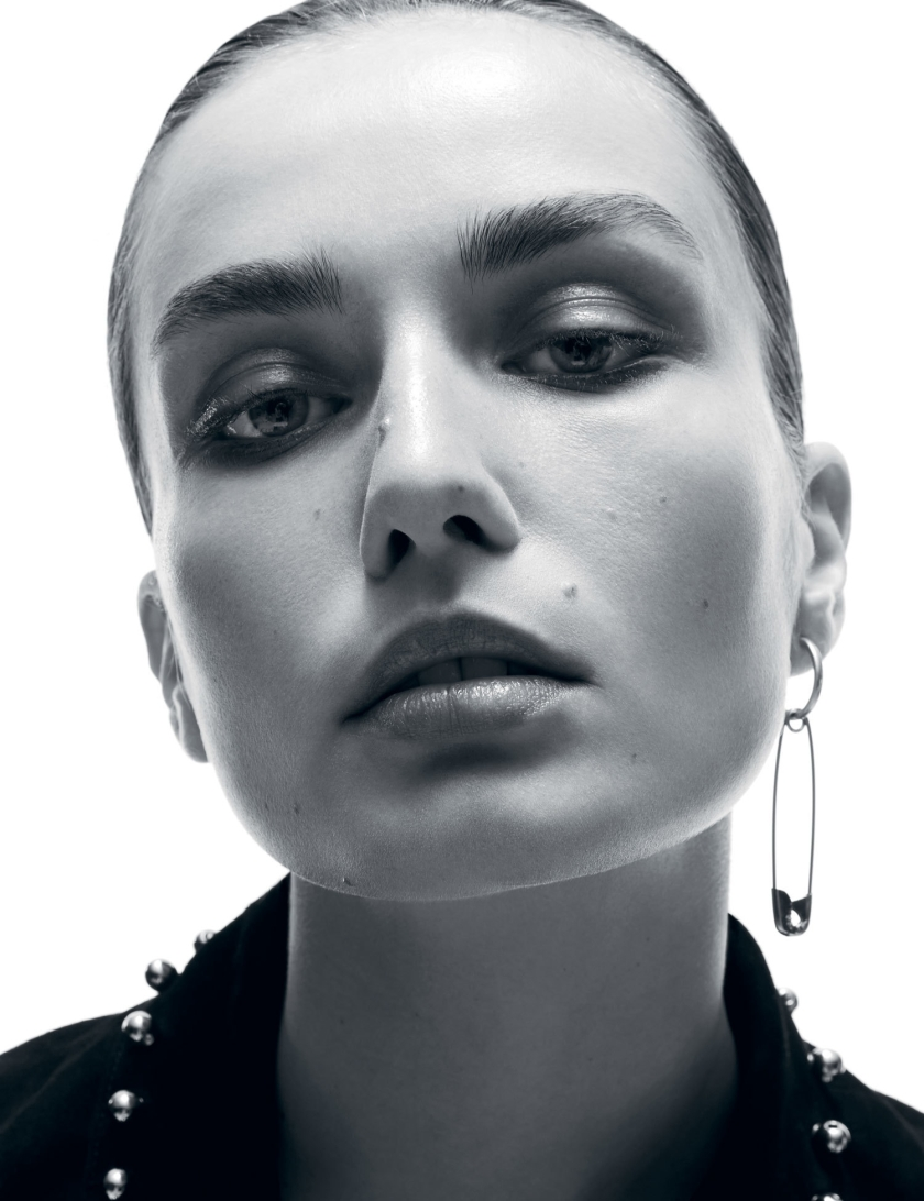 ANDREEA-DIACONU-BY-AMY-TROOST-FOR-I-D-MAGAZINE-FALL-2015-4