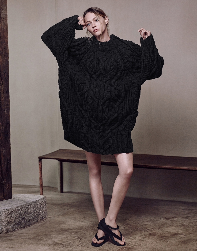 SASHA-PIVOVAROVA-BY-ERIK-TORSTENSSON-FOR-PORTER-MAGAZINE-WINTER-2015-6
