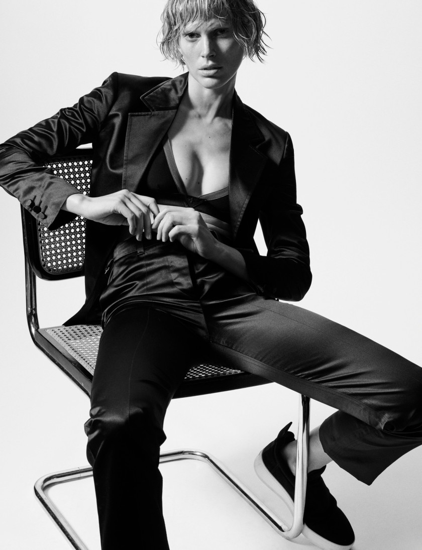 ISELIN-STEIRO-BY-HASSE-NIELSEN-FOR-COVER-MAGAZINE-DECEMBER-2015-2