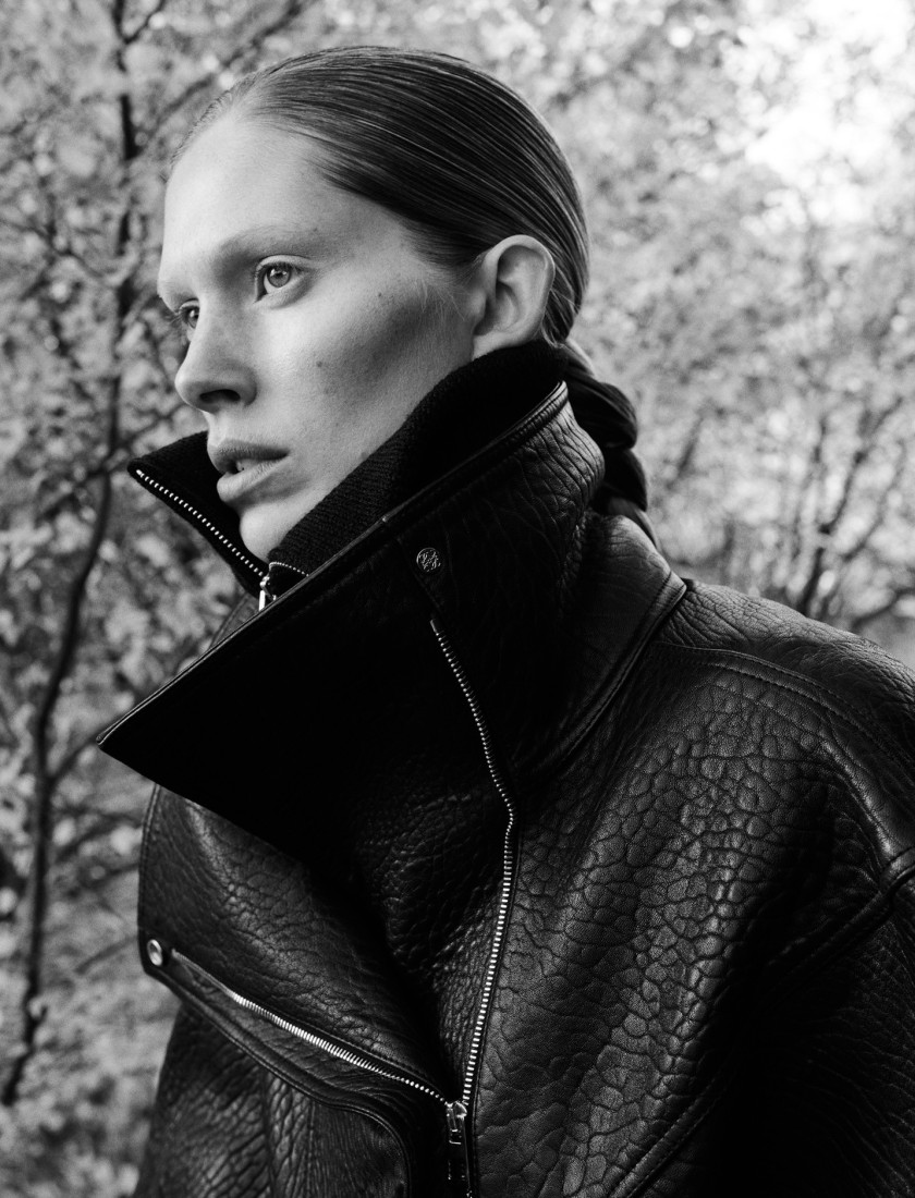ISELIN-STEIRO-BY-HASSE-NIELSEN-FOR-COVER-MAGAZINE-DECEMBER-2015-9