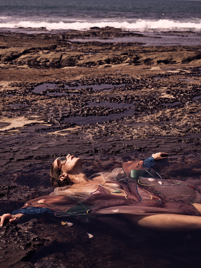 secret-hideaway-carolyn-murphy-by-mikael-jansson-for-interview-magazine-march-2016-2