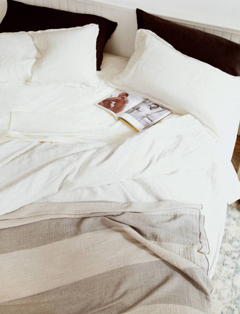 large_ed_ch_v3_tenfold_unmade_bed