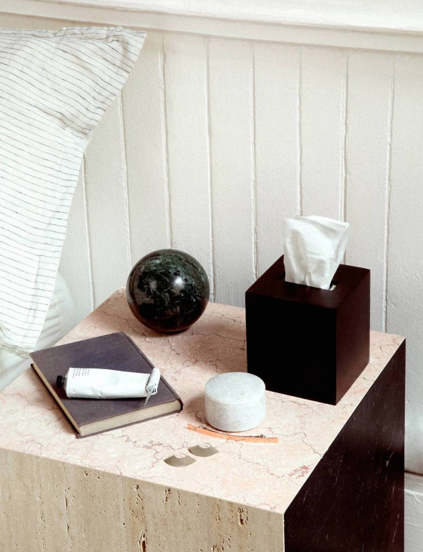 medium_ed_ch_v3_tenfold_nightstand